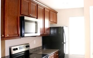 Kitchen with Granite Counter Tops in Collinsville IL