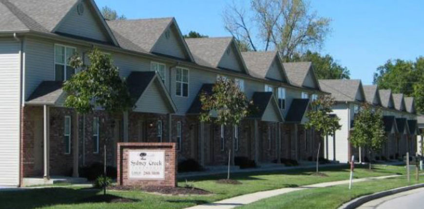 Townhome with Garage and Two Bedrooms in Collinsville IL