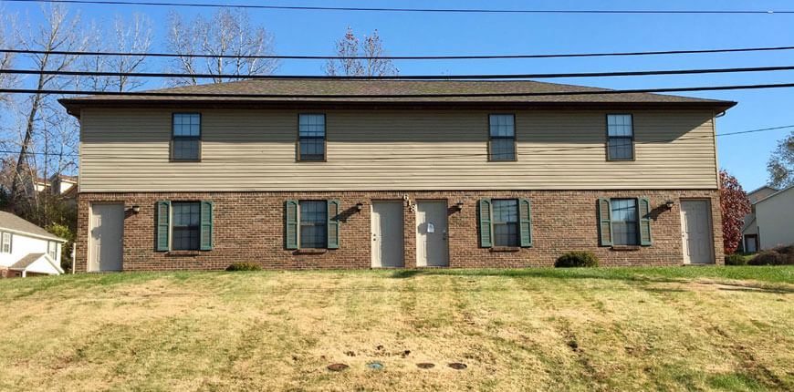 Townhouse with Carport Collinsville IL