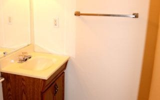 Townhouse with one and half bathroom in Collinsvillle IL