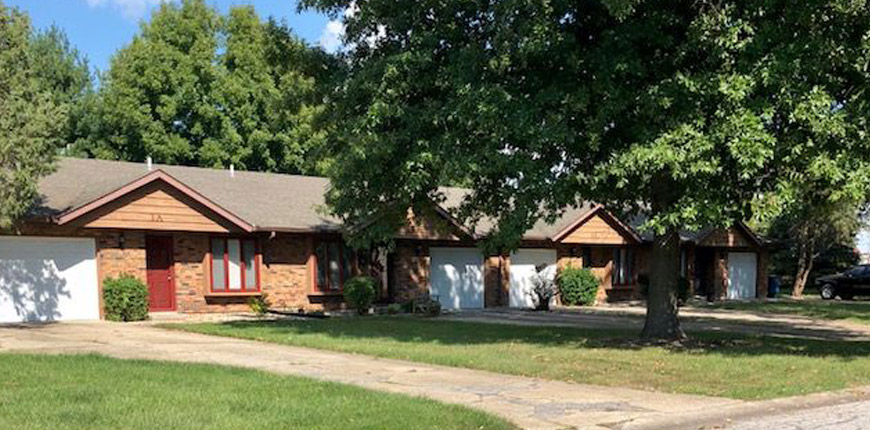 Two Bedroom Pet Friendly Apartment in Glen Carbon IL Area