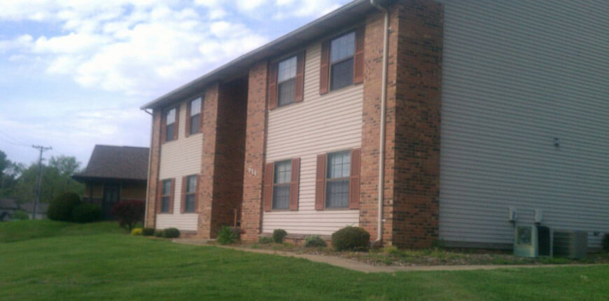 Rent an Apartment with Large Living room in Collinsville IL