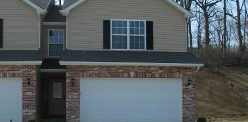 Spacious Family Room with Fireplace in Collinsville IL