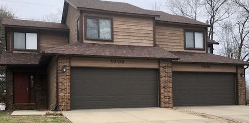 Rental that has a loft that overlooks the living room in Collinsville IL