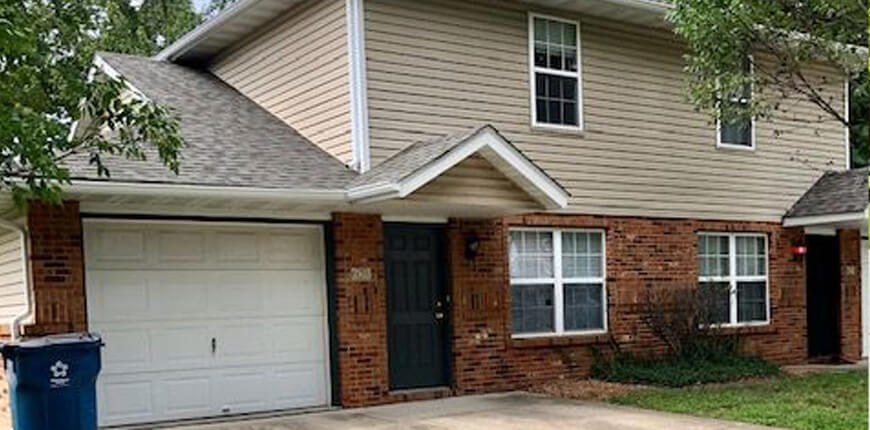 Rental with Eat-In Kitchen in Collinsville IL