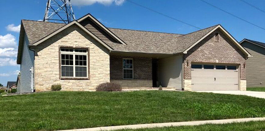 3 BR with 2 Car Garage in Maryville IL
