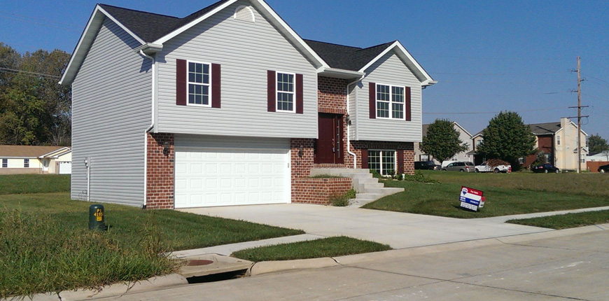 Rental with Walkout Basement in Fairview Heights IL