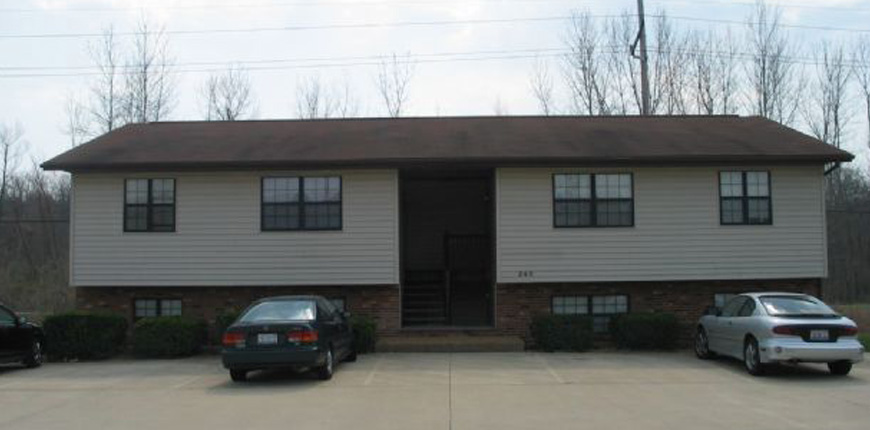 Coin-Operated Laundry Onsite for Rental in Glen Carbon IL