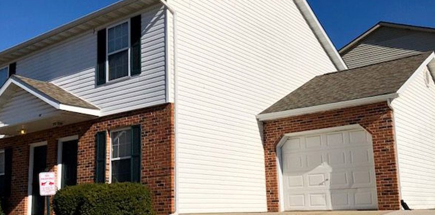 2 Bedroom and 1.5 Baths Rental with Open Floorplan in Collinsville IL